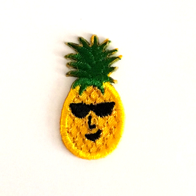 PEPE PINEAPPLE STICK-ON FABRIC PATCH